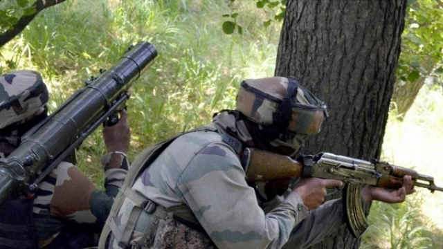 Kashmir : Army Major, Jawan Killed In Gunbattle With Terrorists
