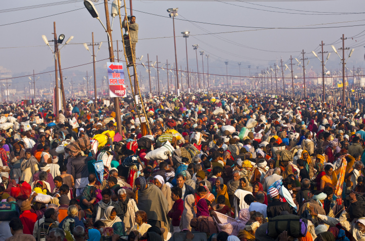 India is world's most populous nation with 1.32bn people,U.S Researcher Claims.