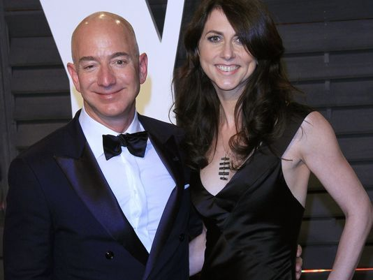'Jeff Bezos' Briefly Surpasses Bill Gates, To Become Richest Person In The World