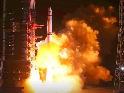चीन के रिले सेटेलाइट से होंगे चन्द्रमा के रहस्यमयी क्षेत्रो का पर्दा पास