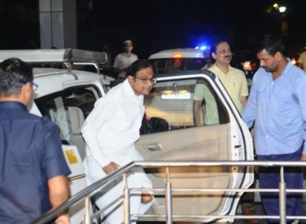 तुषार मेहता: 'हिरासत में भी गवाहों में डर पैदा कर रहे चिदंबरम'