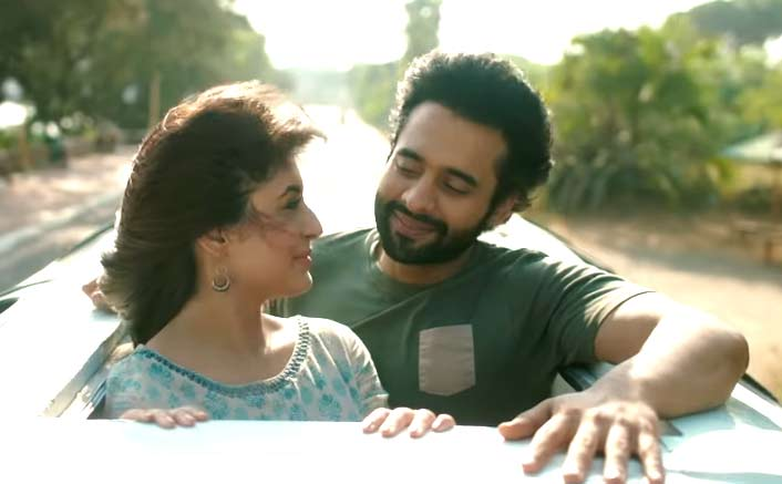 Mitron Song Chalte Chalte: Atif Aslam Creates Magic Reprising the Classic from Pakeezah