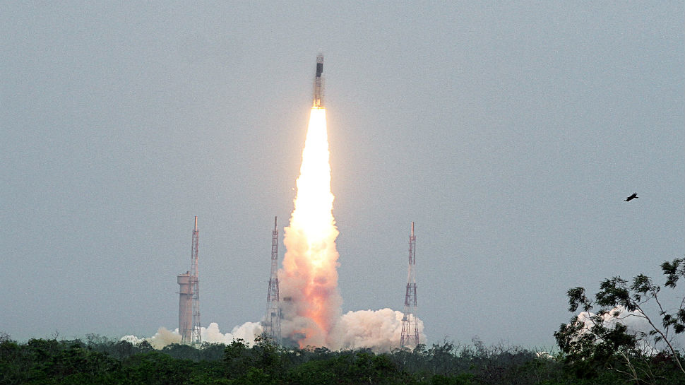 India Over the Moon as ISRO's Chandrayaan 2 Takes Off With a Billion Dreams