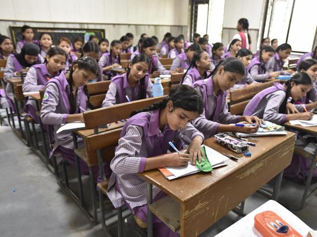 Govt plans incentives for states to boost school education