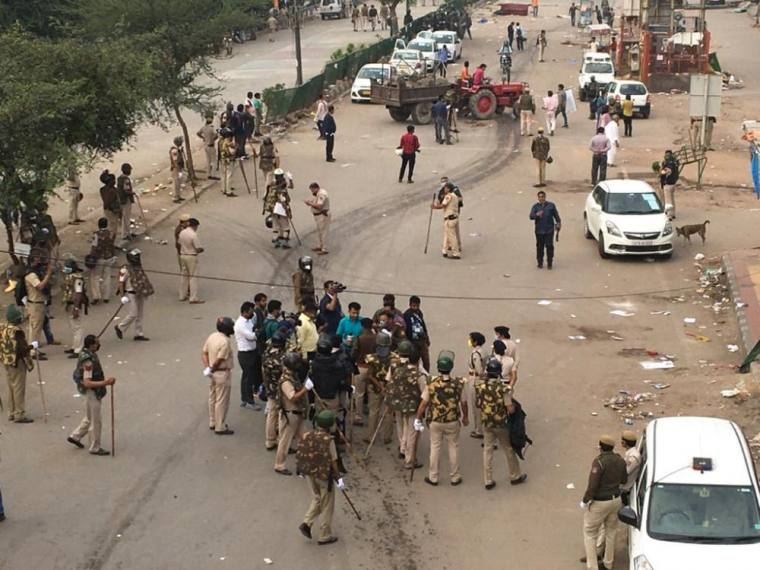 Police Clear Anti-CAA Protest Site At Delhi's Shaheen Bagh Amid COVID-19 Fears