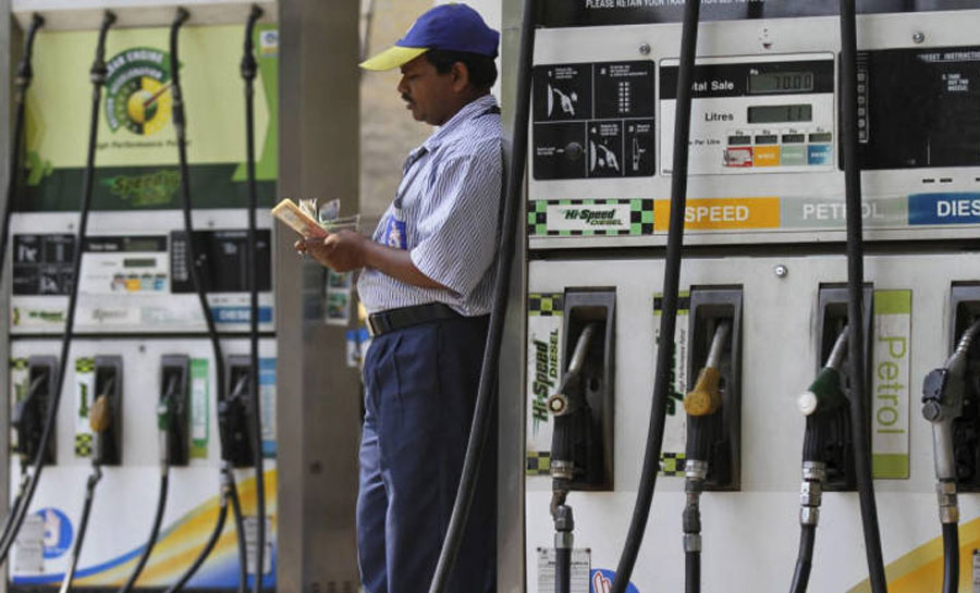 diesel,Petrol prices unchanged-Check today's rates in Mumbai,Delhi