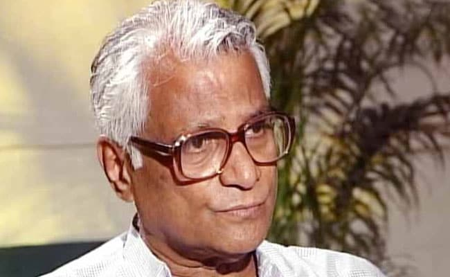 Trade unionist, politician, ex-defence minister Fernandes dies at 88