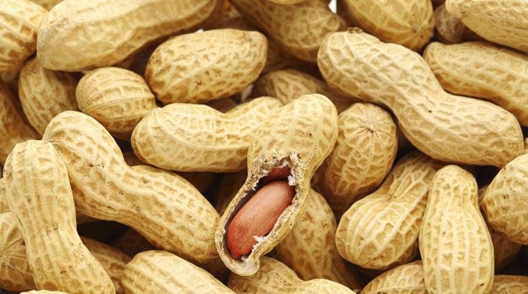 Munch on Peanuts to reduce weight