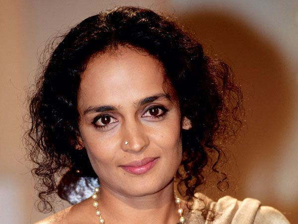 Arundhati Roy returns National Award