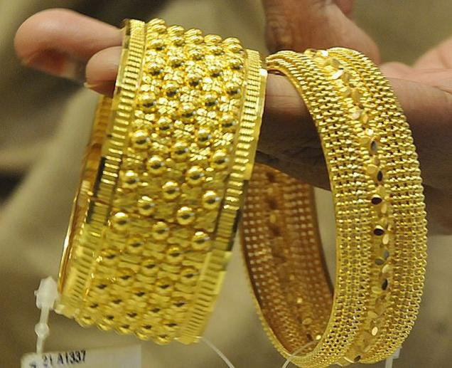 Gold rates stabilise after rout, but bearish sentiments cemented.