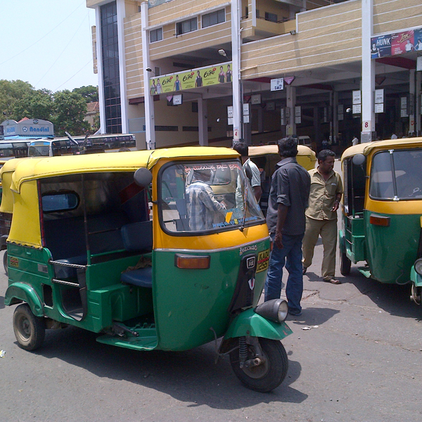Transport Bandh Gets Mixed Response.