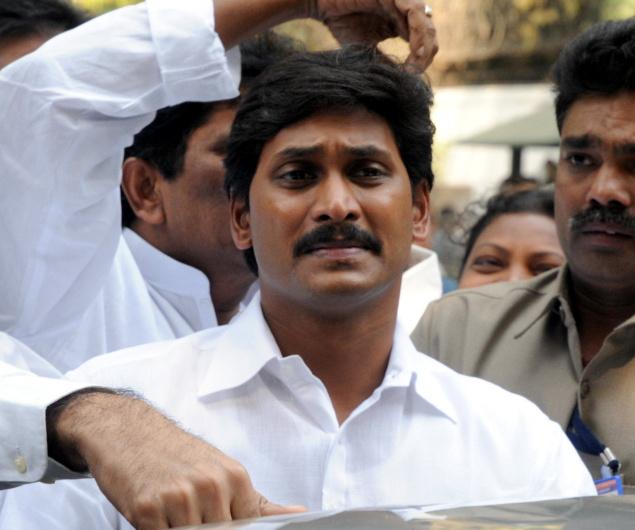 Jagan Reddy detained, Lok Sabha to debate Telangana bill tomorrow.