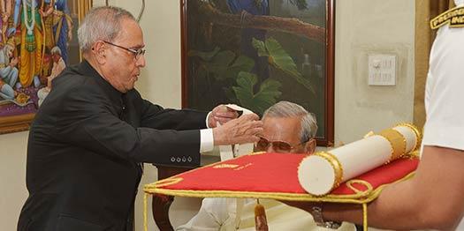 A Statesman Politician & An Orator Par Excellence - Atal Bihari Vajpayee.