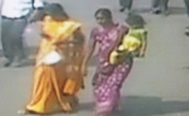 Woman befriends mother at railway station and kidnaps child