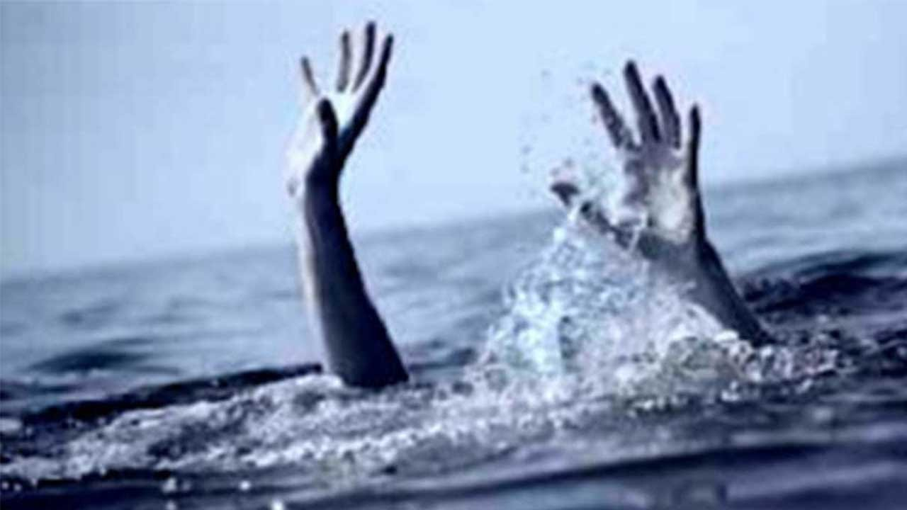 Girls drowns in sea while taking selfie