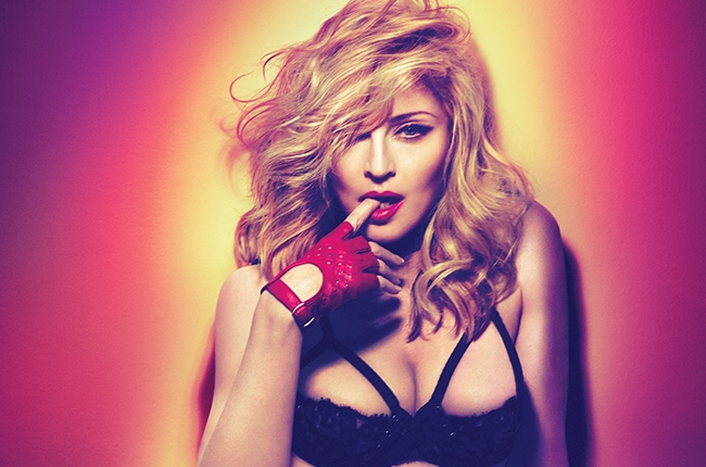 Madonna sings for the Paris victims