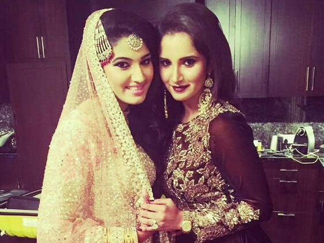 Sania Mirza Stuns everyone at Sister's Wedding